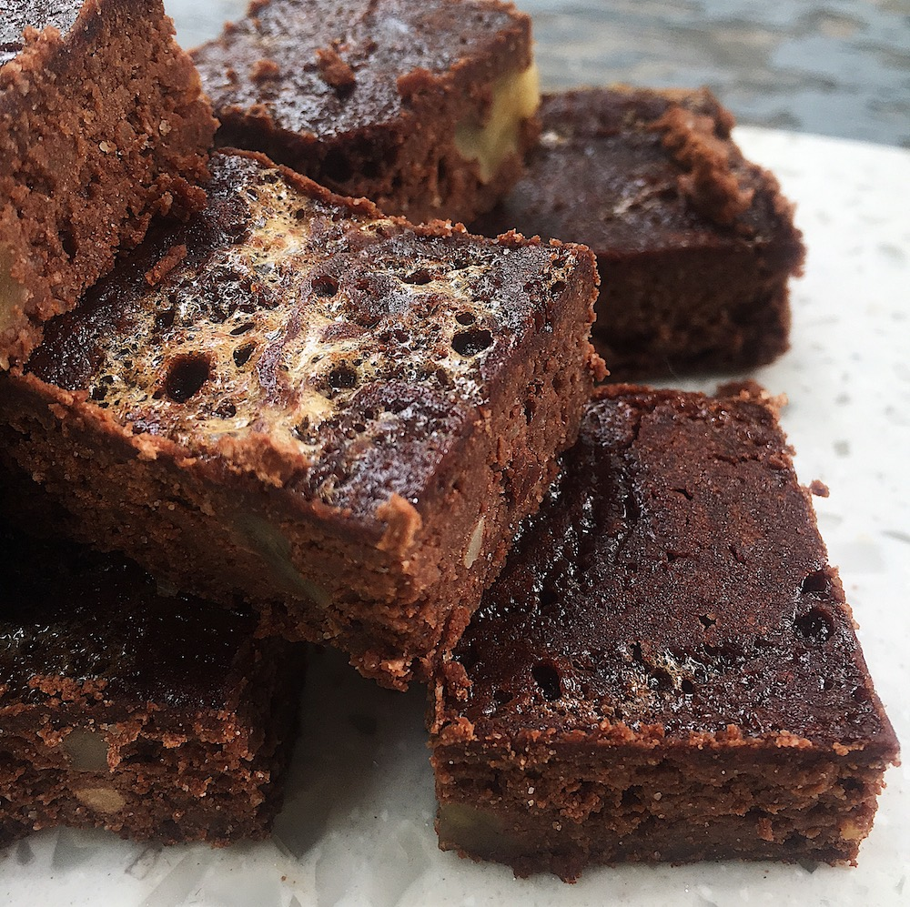 Black Bean Flourless Dark Chocolate Brownies with Walnuts