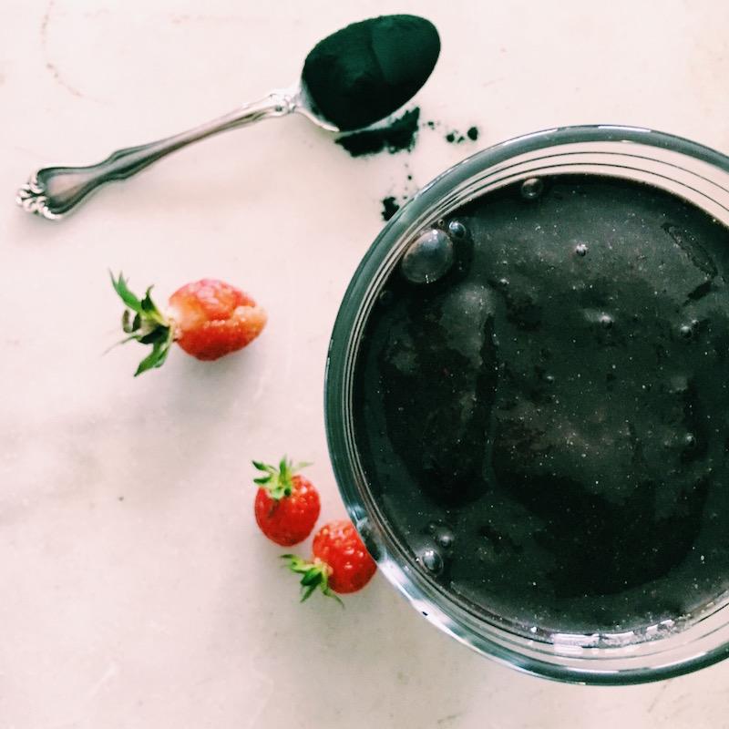 SuperGreen smoothie with adaptogens, spirulina, berries, hemp seeds