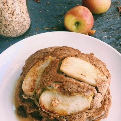 Fortifying pancakes with rolled oats and autumnal apples