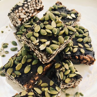Gluten-free Dark Chocolate Rice Crispy Bars, a must-make recipe
